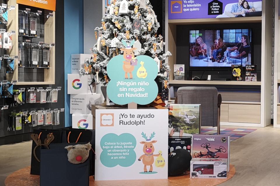 Orange colabora con Cruz Roja para conseguir juguetes para todos los niños esta Navidad